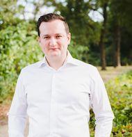 Esmir Mujkic - Financieel Adviseur
