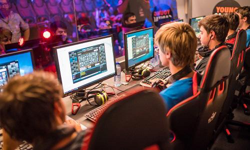 Grand Finals YC Dutch College League